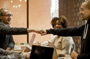 5 Tips to Pay it Forward in the Workplace 1