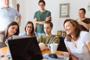 Pros and Cons of Working in a Family Business 2
