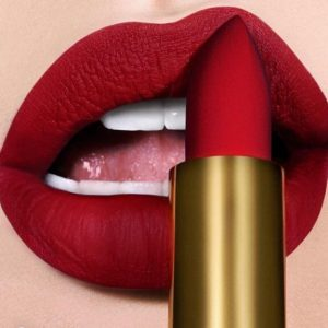 """The """"Girl Boss"""" Look: 9 Makeup Must-Haves for Every Woman in Charge 4"""