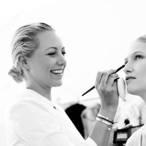 """The """"Girl Boss"""" Look: 9 Makeup Must-Haves for Every Woman in Charge 5"""