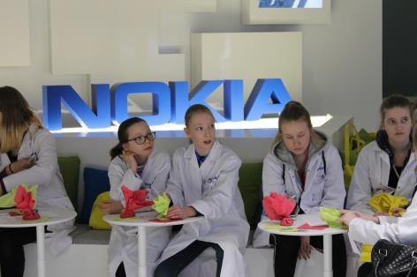 How the Top Companies Overcome the Gender Balance Problem in STEM? 4