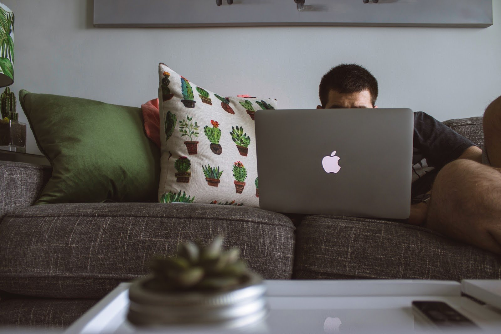 Working From Home: How It Benefits Both Employees And Employers
