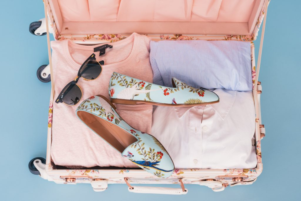 A Must-Have Packing Checklist for Business Trips 2