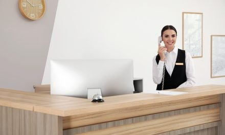 How Voice and Data Technology Solutions Function in Hospitality Businesses