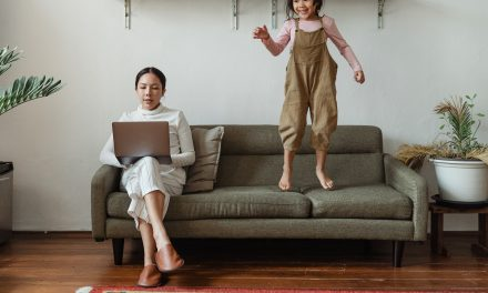 Tips for Moms Who Work From Home